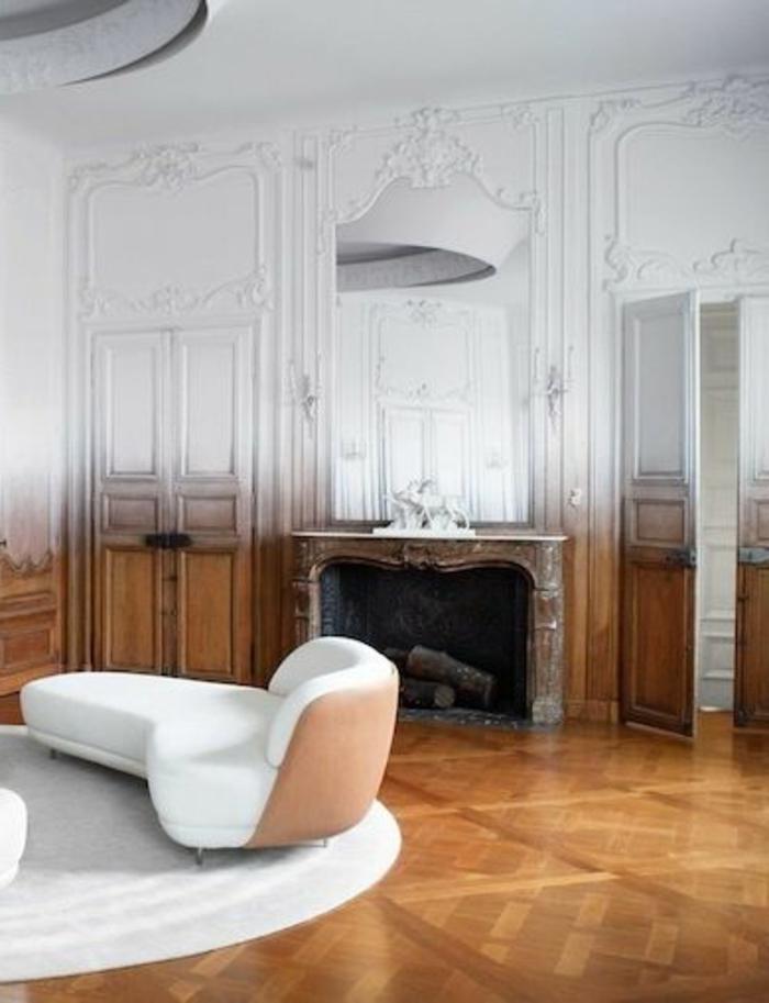jolie-idee-pour-bien-choisir-la-moulure-décorative-dans-le-salon-moderne-baroque
