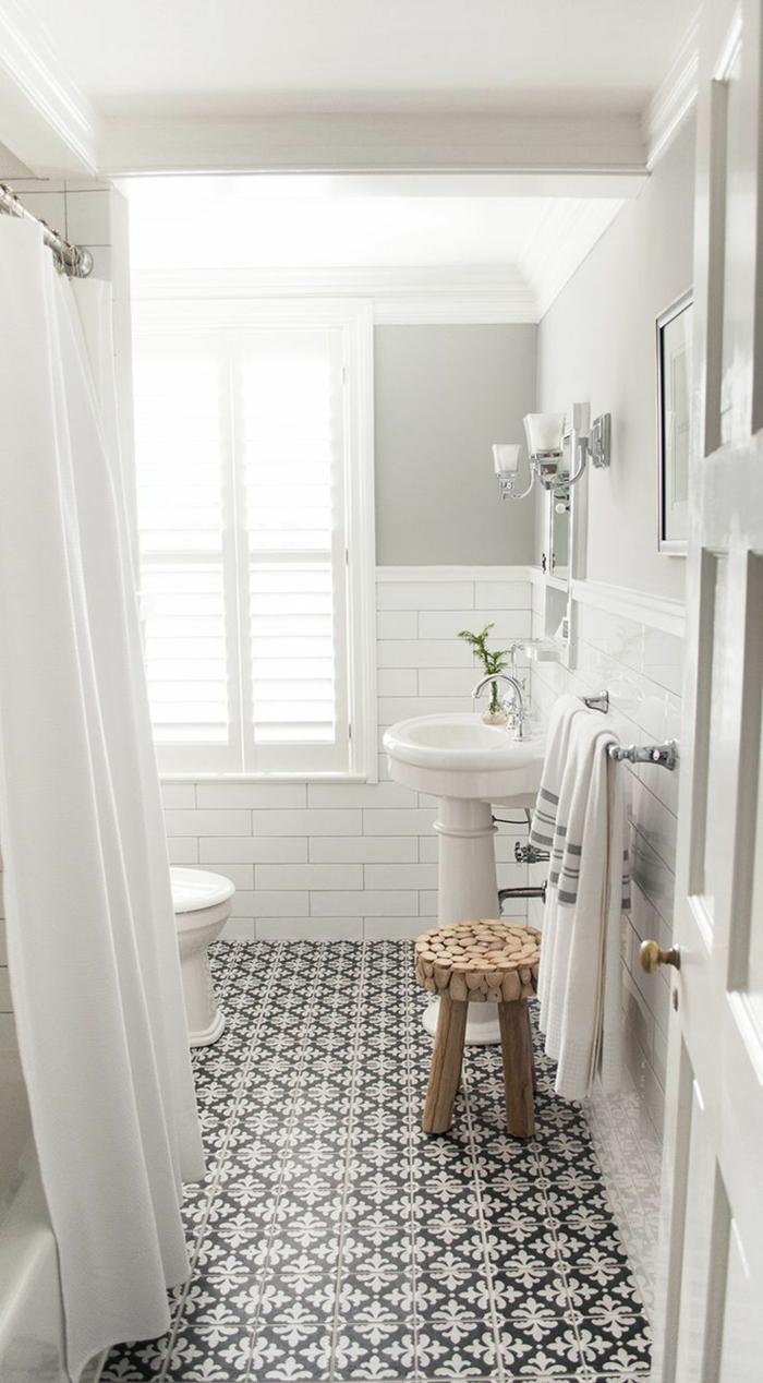 Vous cherchez des id es pour un carrelage noir et blanc for Salle de bain bois et couleur