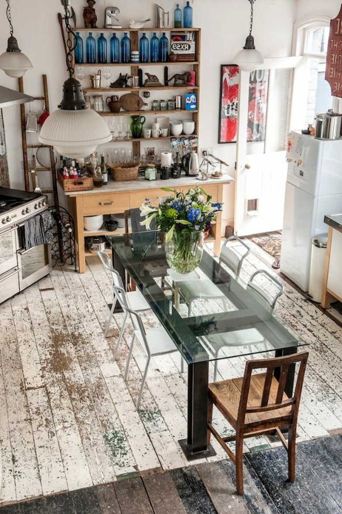 jolie-table-en-verre-pour-la-cuisine-table-transparente-avec-plateau-en-verre-et-fleurs