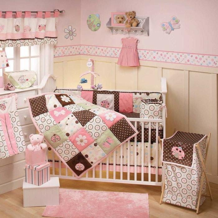 la-déco-chambre-bebe-lit-linge-de-lit-bébé-pas-cher-rose-fille