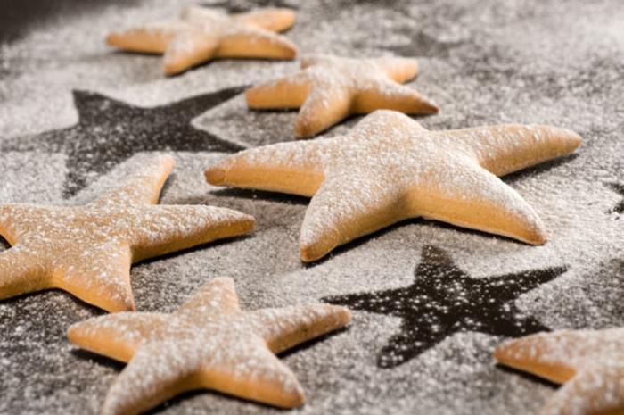 le-meilleur-biscuit-de-noël-en-forme-d-etoile-comment-faire-biscuit-de-noël-recette-de-biscuit-de-noel