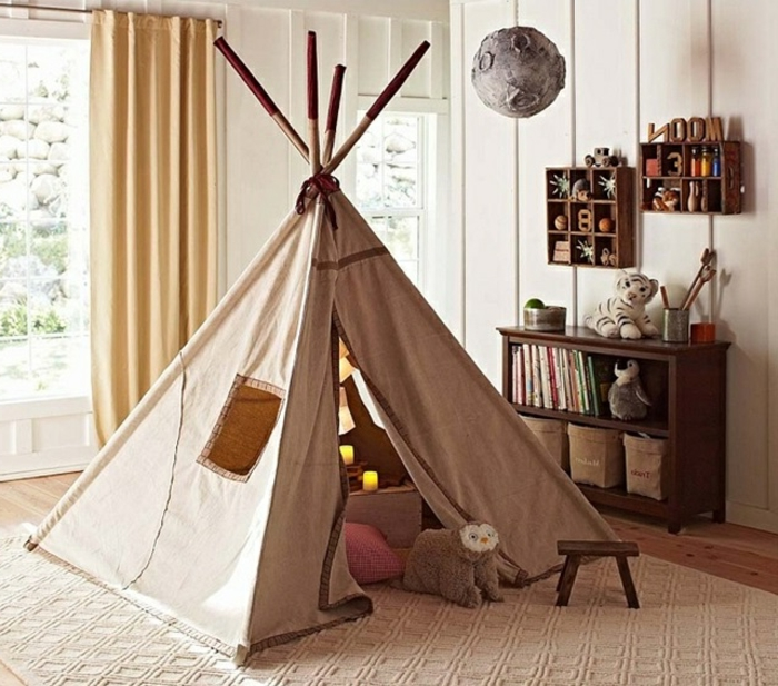 le-tipi-enfant-tente-de-lit-idée-intérieur-chambre-enfant-à-la-maison-lampe-la-lune
