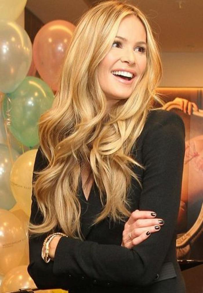 les-cheveux-longs-blond-venitien-meche-blond-pour-les-femmes-modernes-avec-cheveux-longs