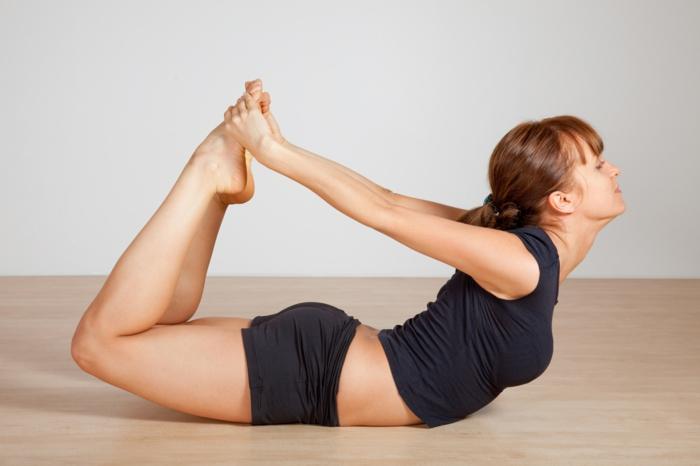 exercice-de-yoga-pilates-exercices-pratiques-âme