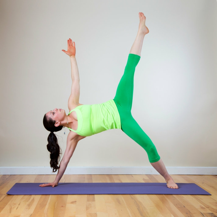 les-exercices-de-yoga-position-yoga-posture-tapis-yoga