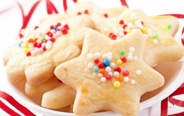 les-meilleures-biscuits-de-noël-recette-biscuit-de-noel-bredele-de-noel-pour-la-table