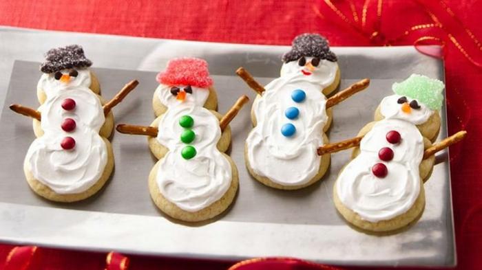 les-meilleures-recettes-de-biscuit-de-noel-biscuit-de-noel-en-forme-de-bonhomme-de-neige