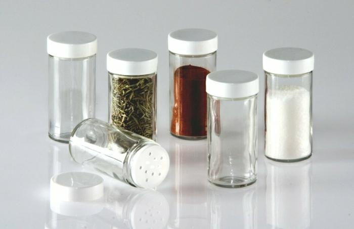 les-petits-bocaux-le-parfait-en-verre-pour-vos-produits-dans-la-cuisine-moderne