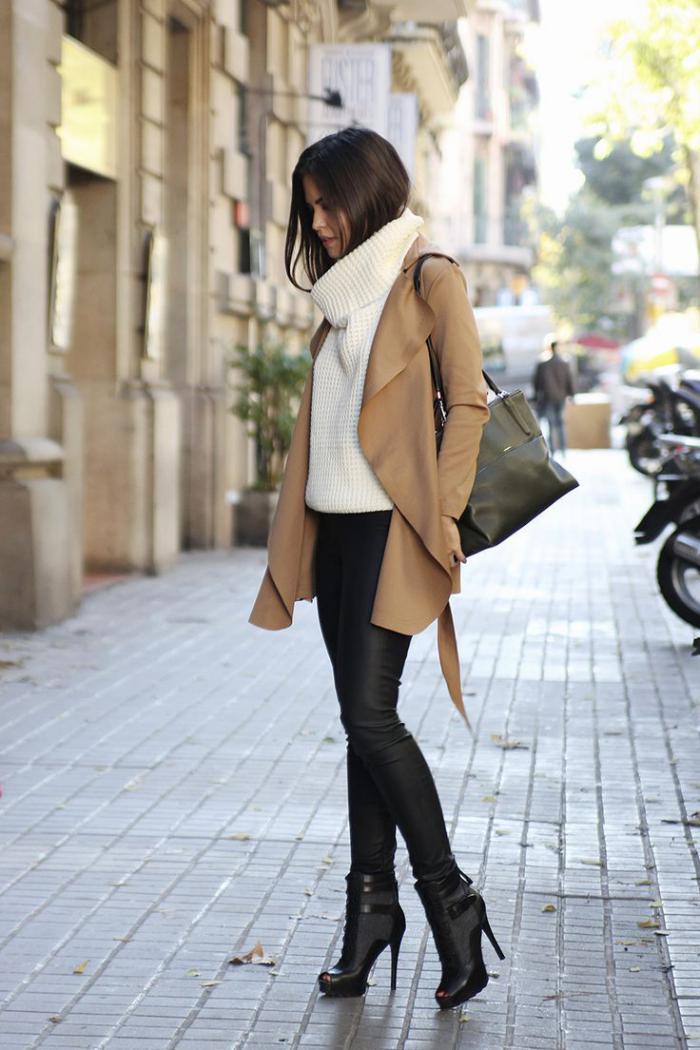 manteau-camel-chaussures-à-hauts-talons-élégants