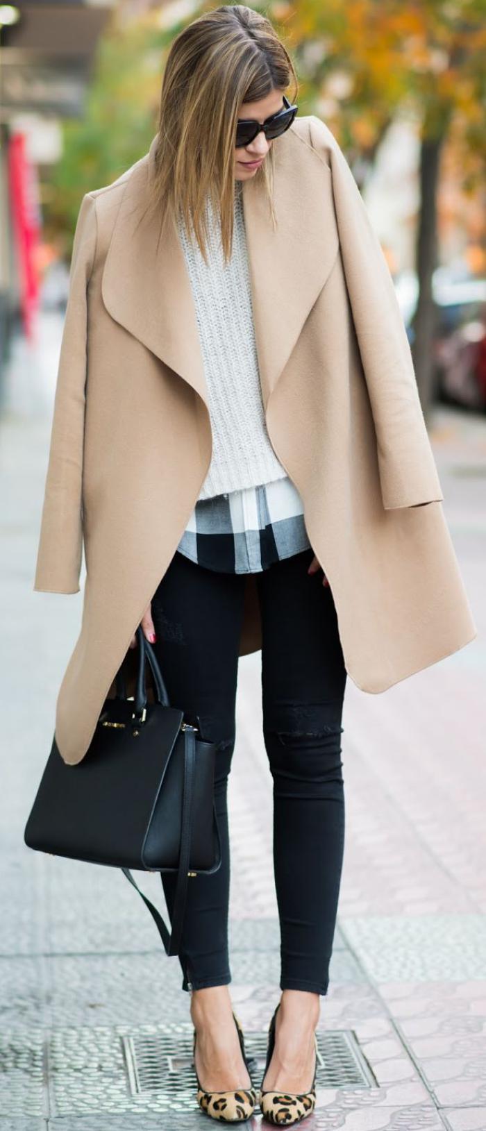 manteau-camel-design-épuré-en-couleur-indémodable