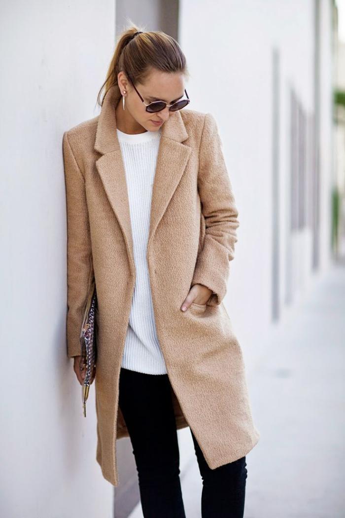 manteau-camel-la-ligne-d'hiver-épurée