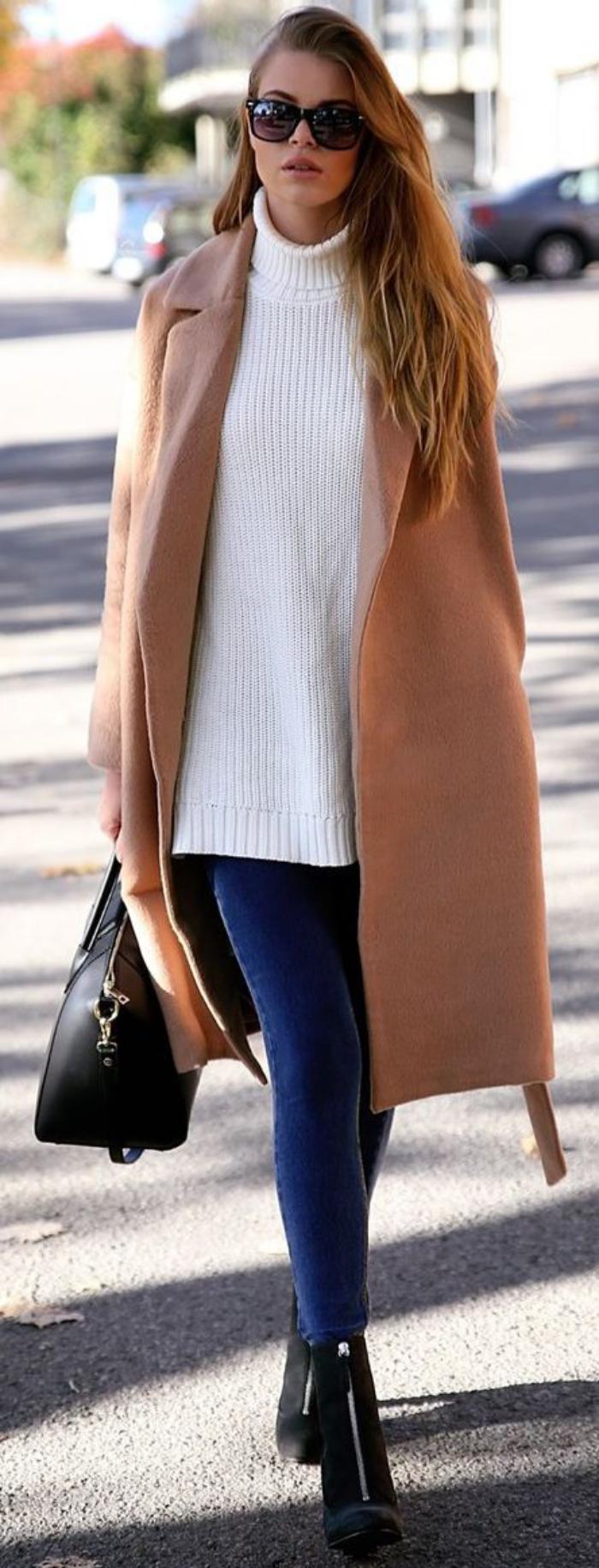 manteau-camel-long-manteau-couleur-classique-et-blouse-blanche