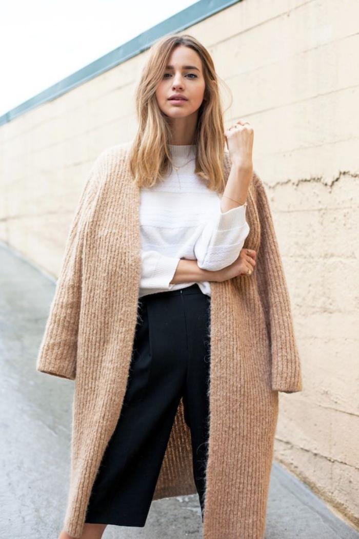 manteau-camel-trextile-élégance-d'hiver-en-camel