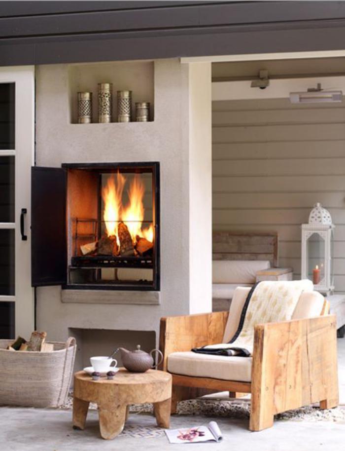 manteau-de-cheminée-comme-mur-de-séparation-déco-rustique-chaleureuse
