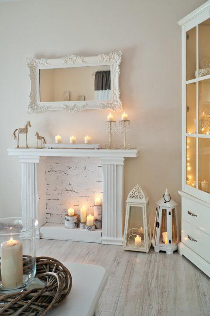 manteau-de-cheminée-décoratif-lanternes-et-bougies-blanches