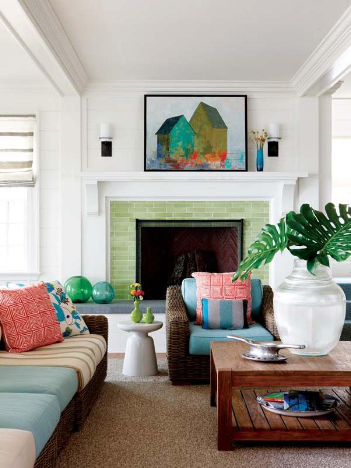 manteau-de-cheminée-plante-verte-peinture-joyeuse-accents-colorés