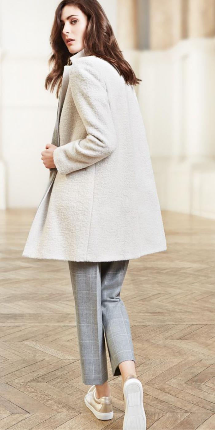 manteau-en-laine-bouillie-blanche-vision-élégante-femme