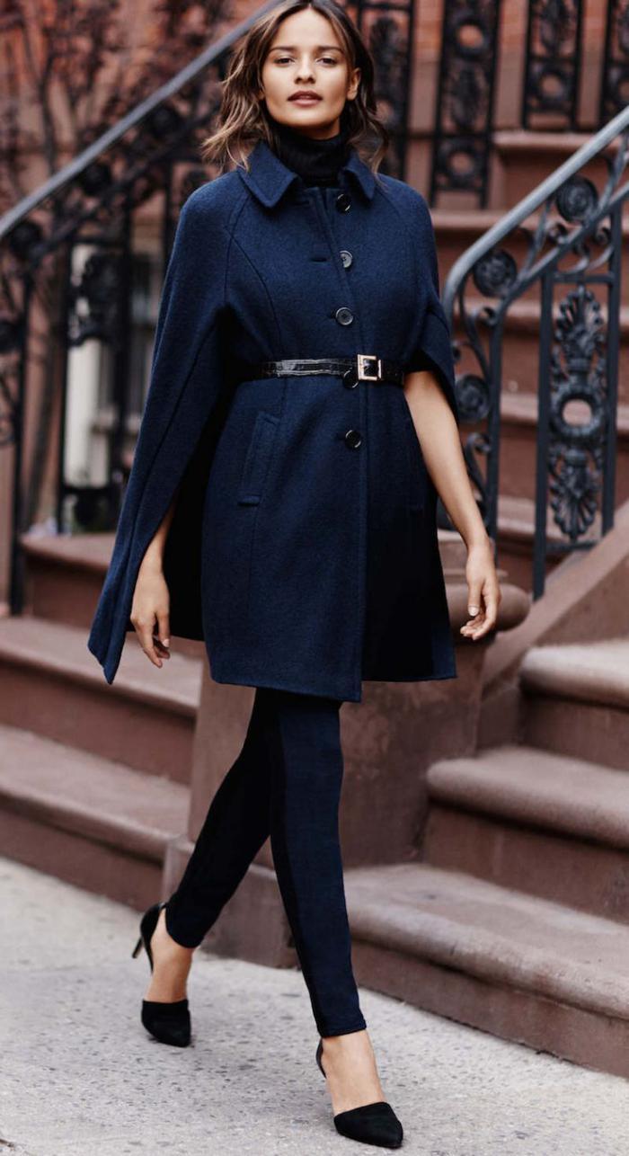 manteau-en-laine-bouillie-bleu-femme-élégante