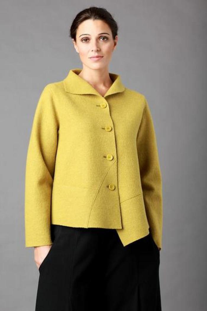 le manteau en laine bouillie pour sublimer votre look d 39 automne. Black Bedroom Furniture Sets. Home Design Ideas