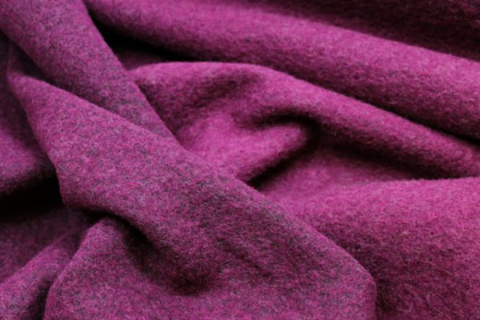 manteau-en-laine-bouillie-un-textile-naturel-amélioré