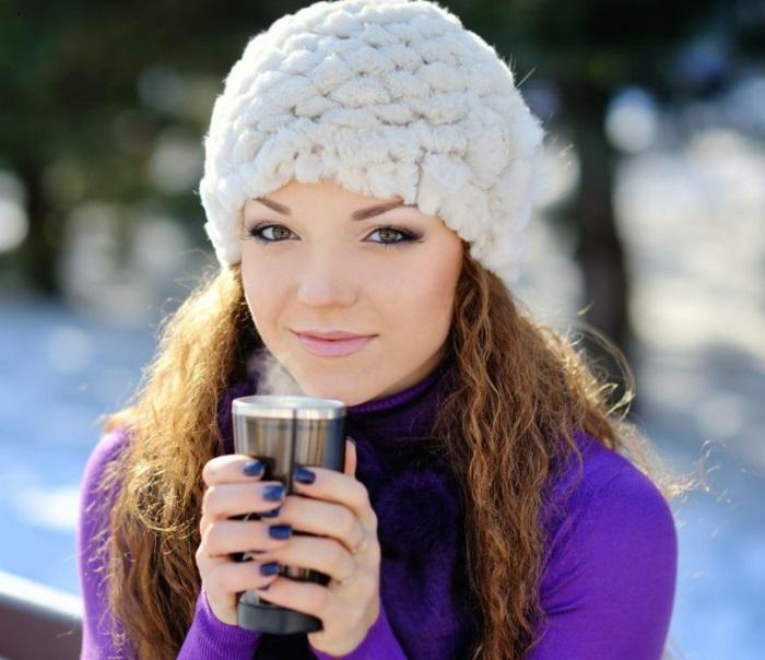 mug-isotherme-gobelet-boisson-chaude-mug-to-go-femme-mignon-hiver-tenue