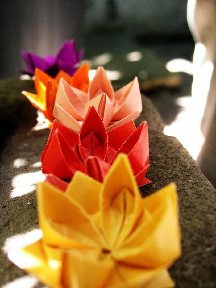 origami-facile-en-forme-de-fleurs-origami-fleurs-facile-a-faire-en-papier-coloré