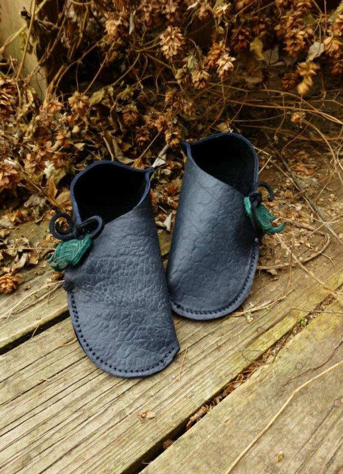 pantoufle-cuir-homme-noir-pour-avoir-chaud-chez-vous-avec-les-pantoufles