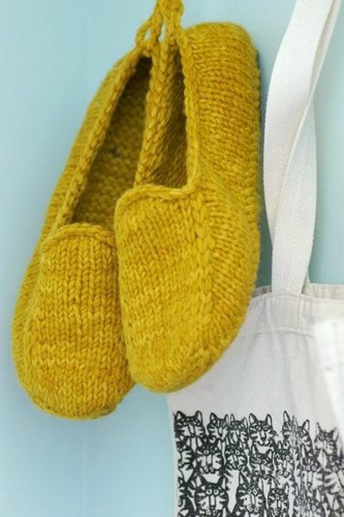 pantoufles-jaunes-pour-les-hommes-comment-choisir-les-pantoufles-hommes