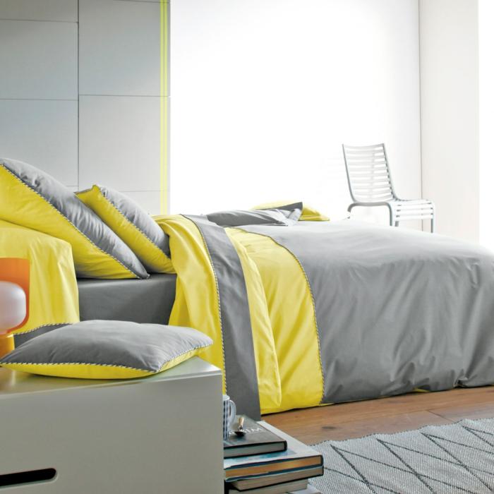 parure-de-lit-bicolore-idée-décoration-chambre-adulte-jaune