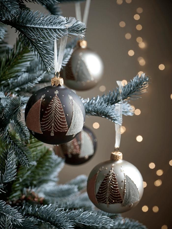 idée deco noel a fabriquer, jouets de sapin customisés avec peinture et dessins sapin de Noël à effet glitter doré