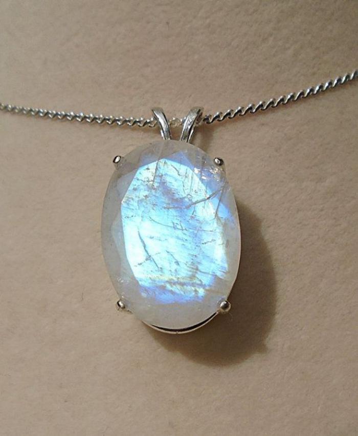 pendentif-pierre-de-lune-collier-pierre-lune