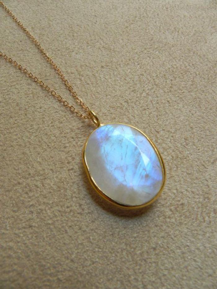 pendentif-pierre-de-lune-ovale-pierre-de-lune-bijoux