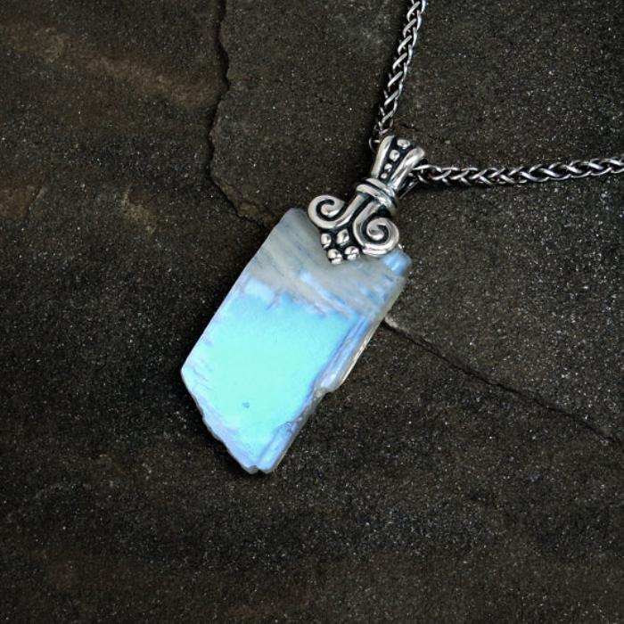 pendentif-pierre-de-lune-blanc-bleuêtre-la-pierre-de-lune-bijoux