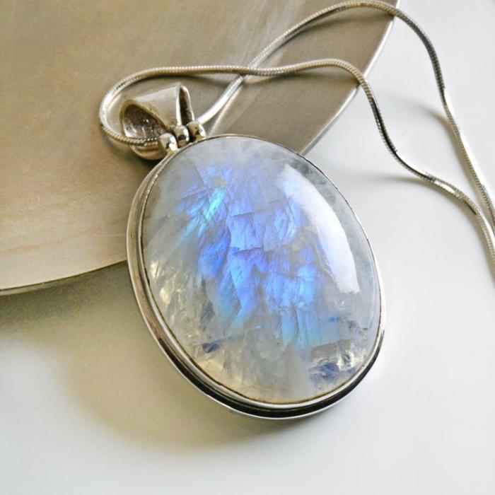 pendentif-pierre-de-lune-chaine-en-argent