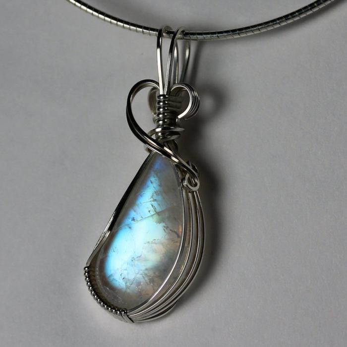 pendentif-pierre-de-lune-et-argent-bijoux-pierre-de-lune