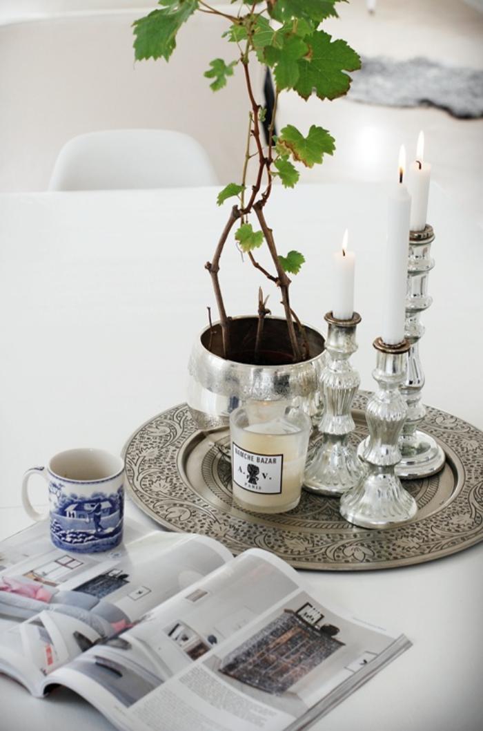 plateau-marocain-à-motifs-végétaux-décoration-ethnique-d'intérieur