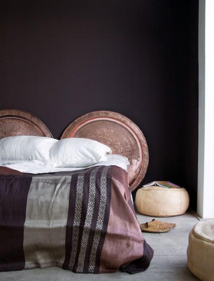 plateau-marocain-comme-tête-de-lit-chambre-à-coucher-style-arabe