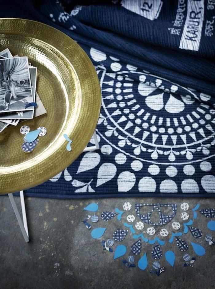 plateau-marocain-décoration-orientale-plateau-en-jaune-métal-objets-artisanaux