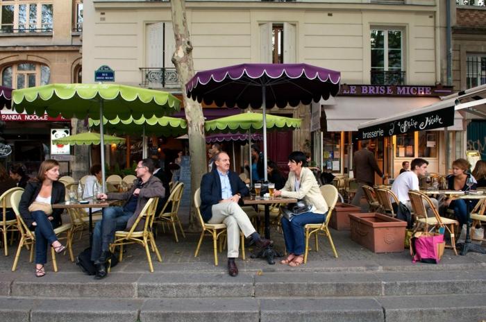 promenades-à-paris-se-balader-capitale-de-france-café