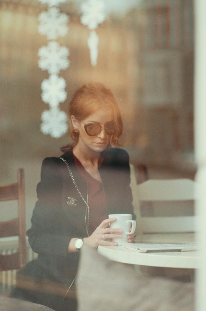 pull-en-cachemire-homme-idée-tenue-de-jour-café