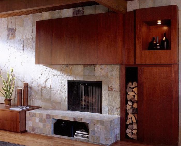 range-buches-décoration-d'intérieur-en-pierre-et-bois-foncé-stockage-de-buches-décoratif