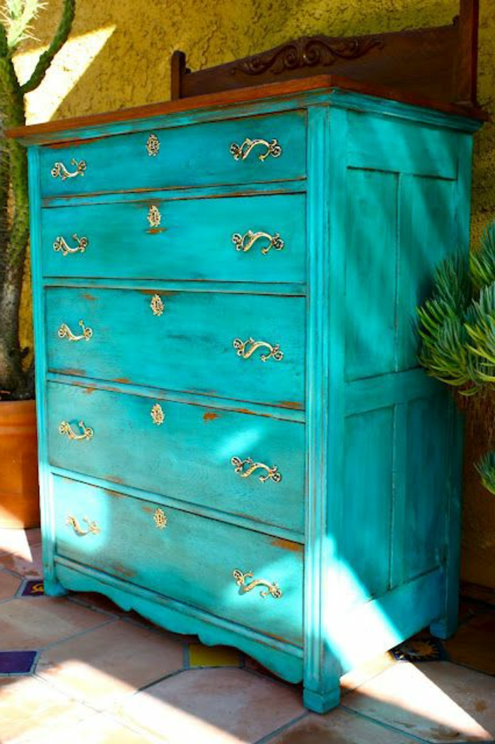relooker-un-meuble-en-bois-retro-chic-comment-relooker-les-meubles-chez-nous