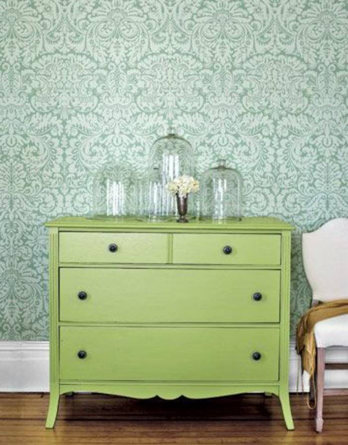 repeindre-un-joli-meuble-de-couleur-verte-repeindre-un-meuble-meubles-patines-verts