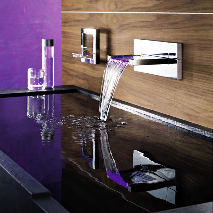 robinet-mural-électrique-bassin-grand-rectangulaire