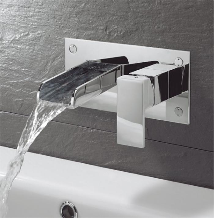 robinet-mural-robinet-cascade-élégant-nouveaux-designs-dans-la-salle-de-bains