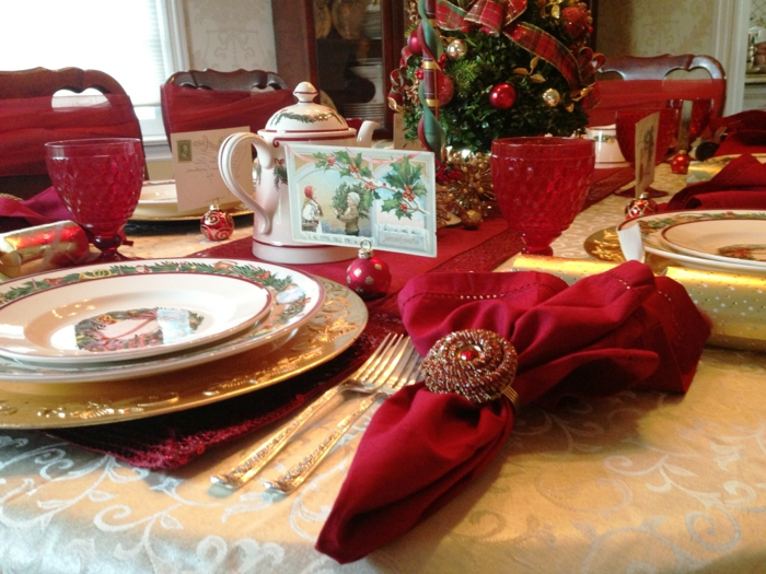 ronds-de-serviette-pas-cher-decoration-de-noel-pour-la-table-de-couleur-rouge-set-de-table-de-noel