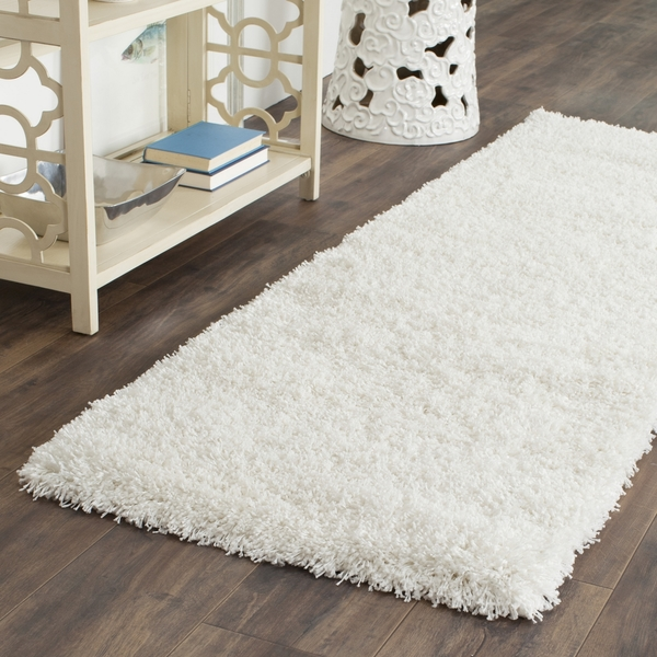 rug-blanc-shaggy-tapis-idee-interieur