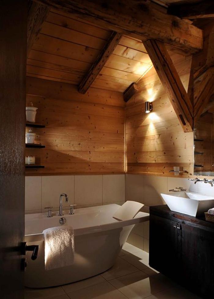 Salle de bain rustique bois for Salle de bain en bois