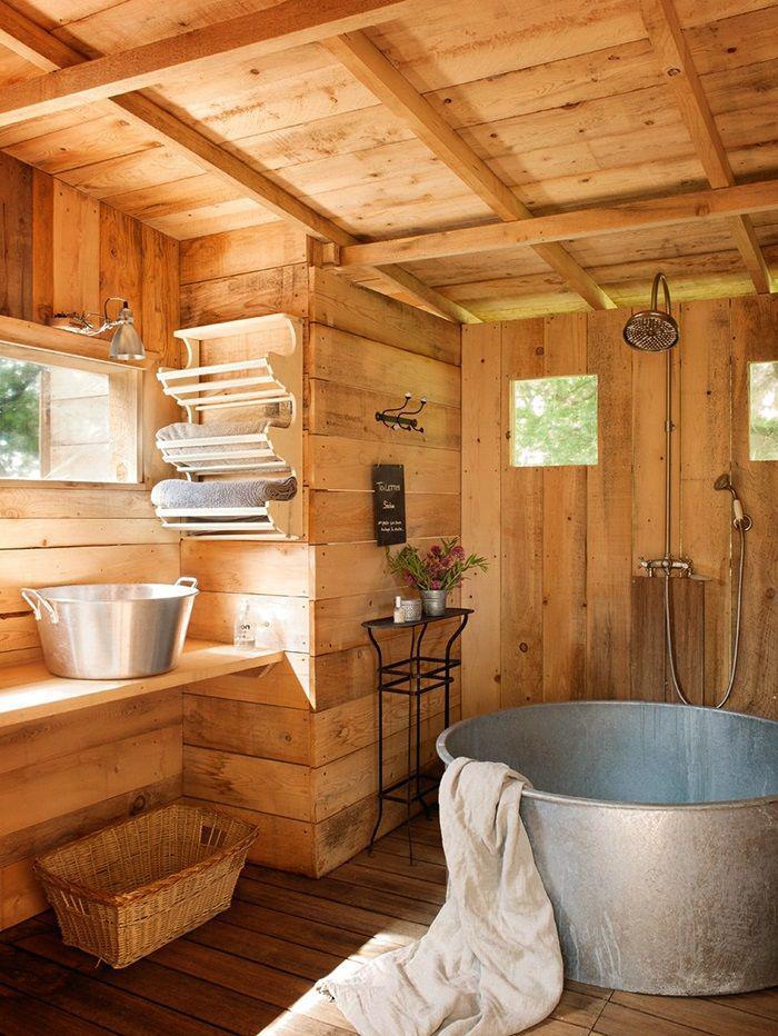 salle-de-bain-rustique-baignoire-en-métal-design-rural