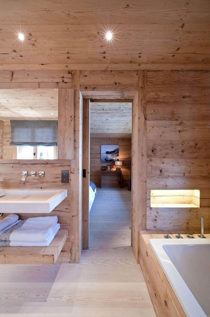 salle-de-bain-rustique-intérieur-de-salle-de-bain-dans-un-chalet
